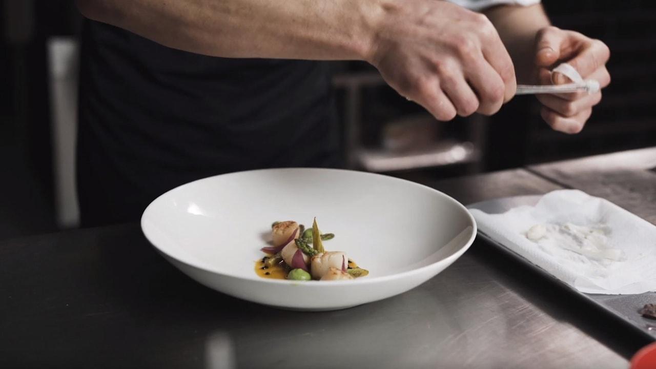 ferma-restorāna-video-plakāts